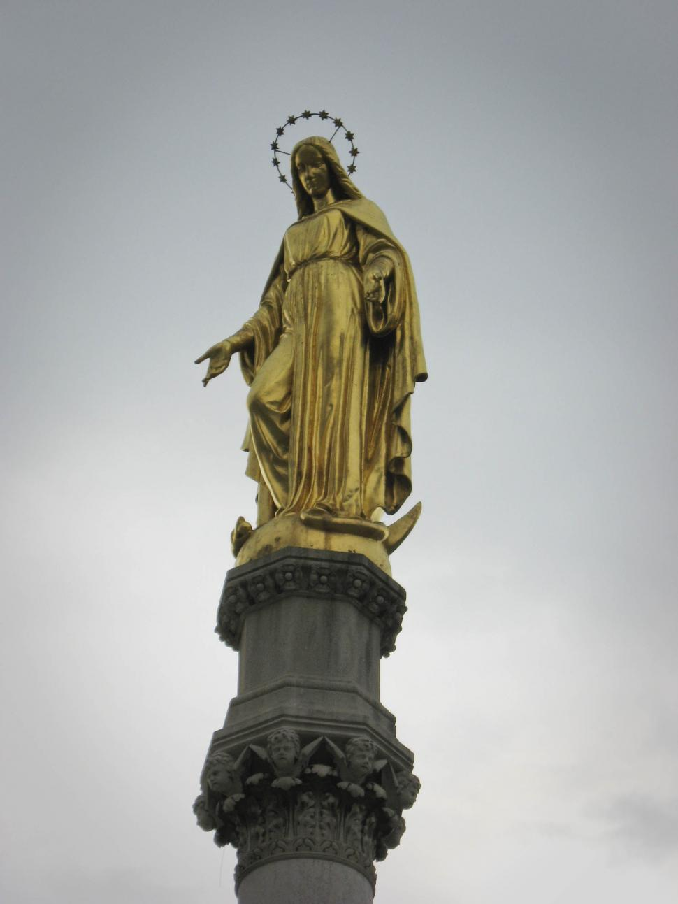 Download Free Stock HD Photo of Virgin Mary Statue Online