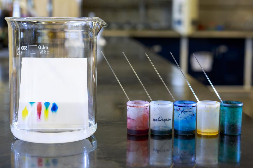 https://freerangestock.com/sample/113947/thin-layer-chromatography.jpg