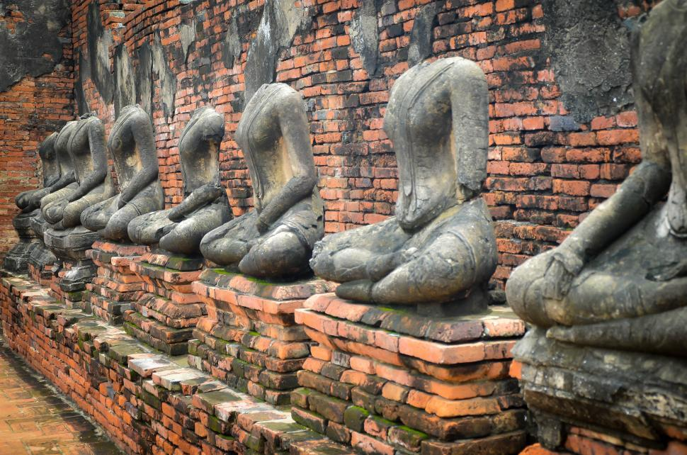 Download Free Stock HD Photo of Row of Buddha Statue  Online