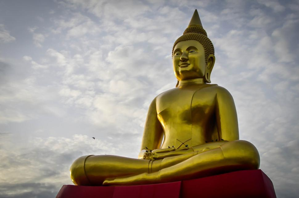 Download Free Stock HD Photo of buddha Statue against sky Online