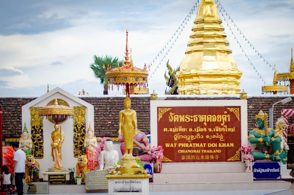 Download Free Stock HD Photo of Doi Kham Temple  Online