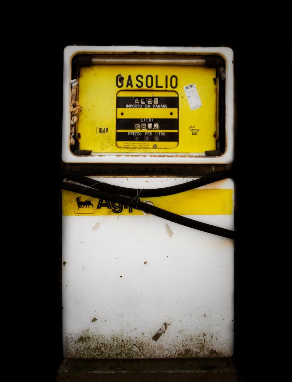 Download Free Stock HD Photo of Gasolio Online