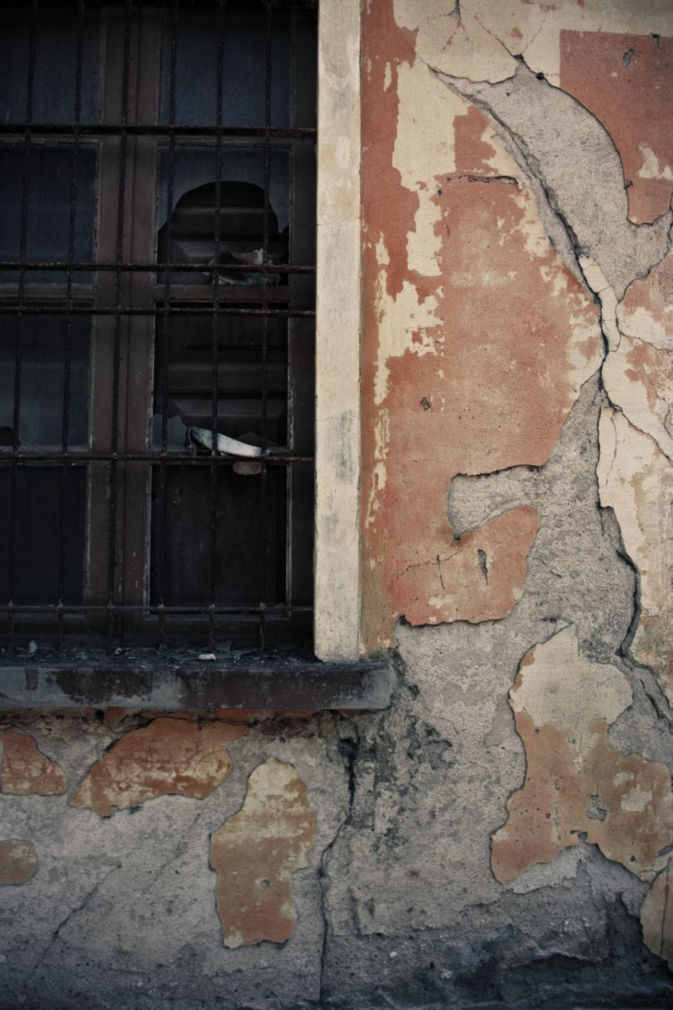 Download Free Stock HD Photo of Crumbling Wall Online