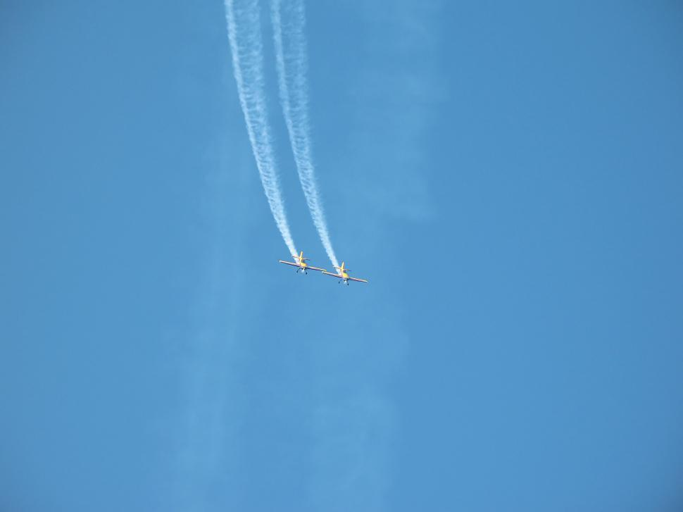 Download Free Stock HD Photo of Aerobatic team making loopings in the air Online