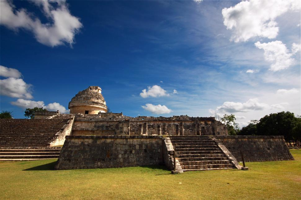 Free stock photo of The Mayan observatory at the city of Chichen-itza.