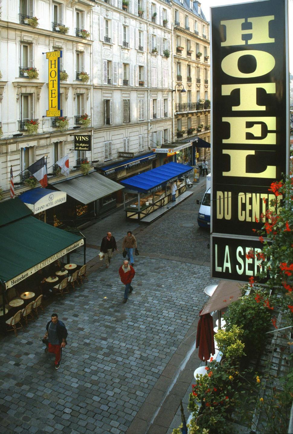 Download Free Stock HD Photo of Hotel in Paris Online