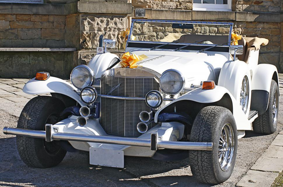 Download Free Stock HD Photo of wedding car Online
