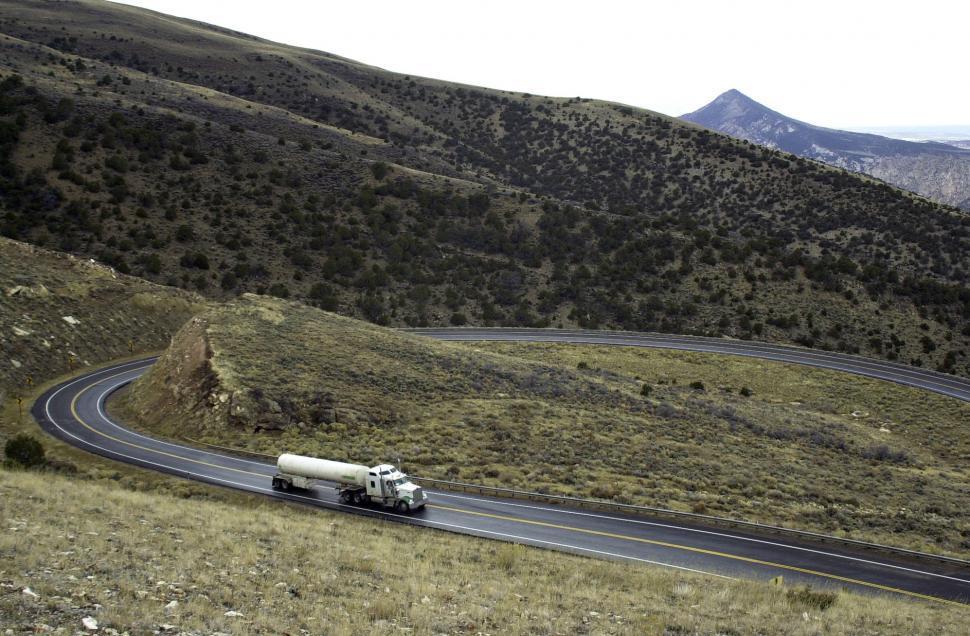 Download Free Stock HD Photo of Windy Road in Utah Online