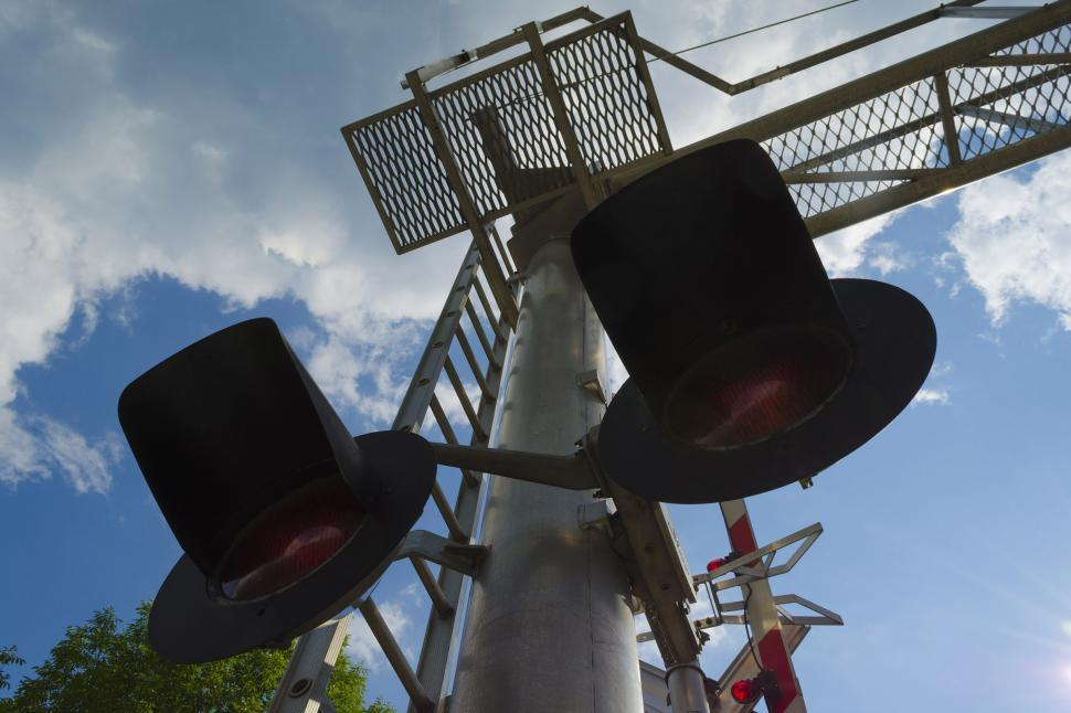 Get free stock photos of railroad crossing lights and gate