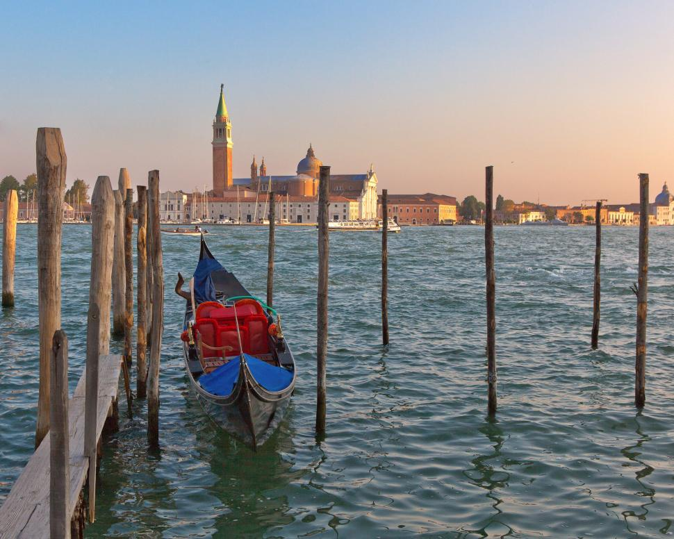 Download Free Stock HD Photo of Gondola Online