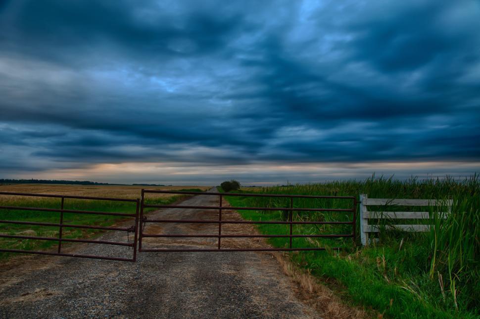 Download Free Stock HD Photo of Long rural dirt road Online