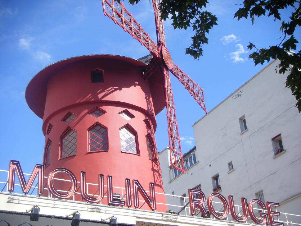 Moulin Rouge Online