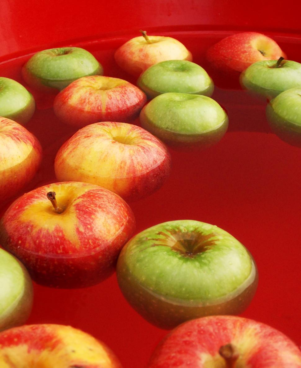 Download Free Stock HD Photo of Floating Apples Online