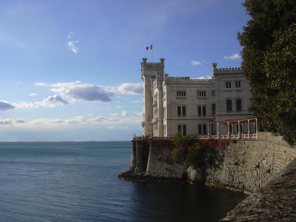 Download Free Stock HD Photo of Castle on Italian Waterfront Online