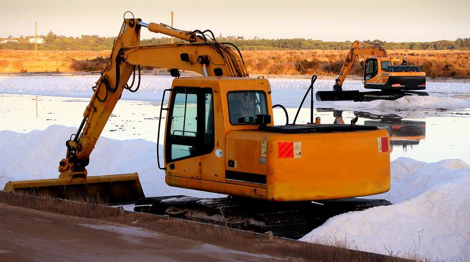 Download Free Stock HD Photo of Caterpillar - Heavy Machinery Online