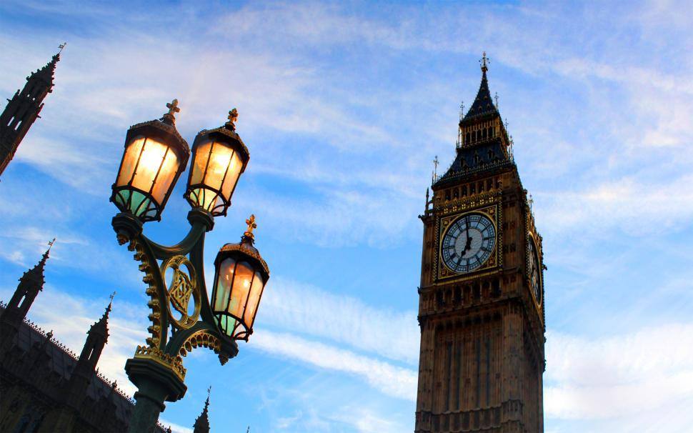 Download Free Stock HD Photo of Perspective of Big Ben from Westminster Bridge at Dusk Online