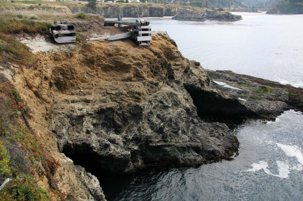 Download Free Stock HD Photo of Mendocino, California shoreline Online