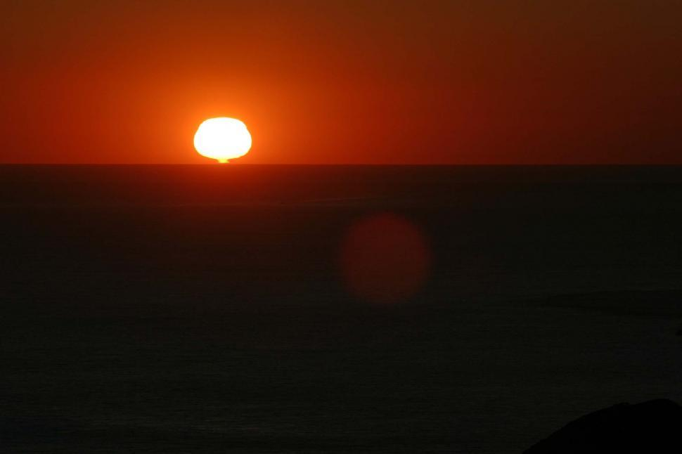 Download Free Stock HD Photo of Ocean sunsrt Online