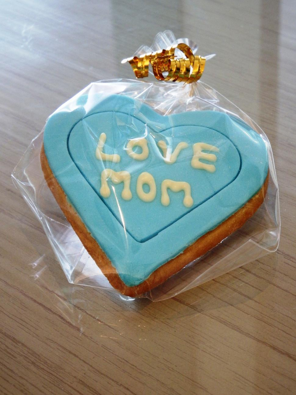 Download Free Stock HD Photo of Love Mom Heart Cookie  Online