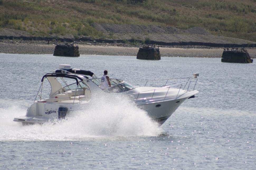 Download Free Stock HD Photo of Speedboat in the islands Online