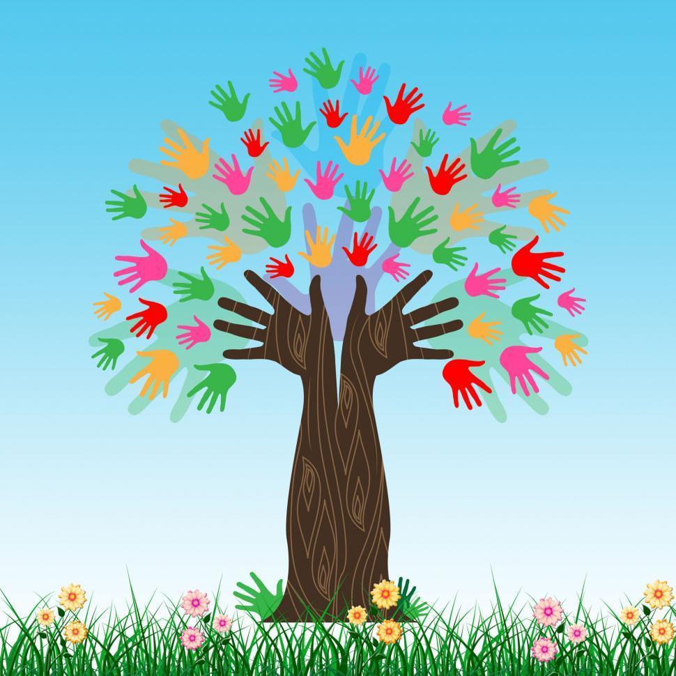 Дерево из ладошек детей фото