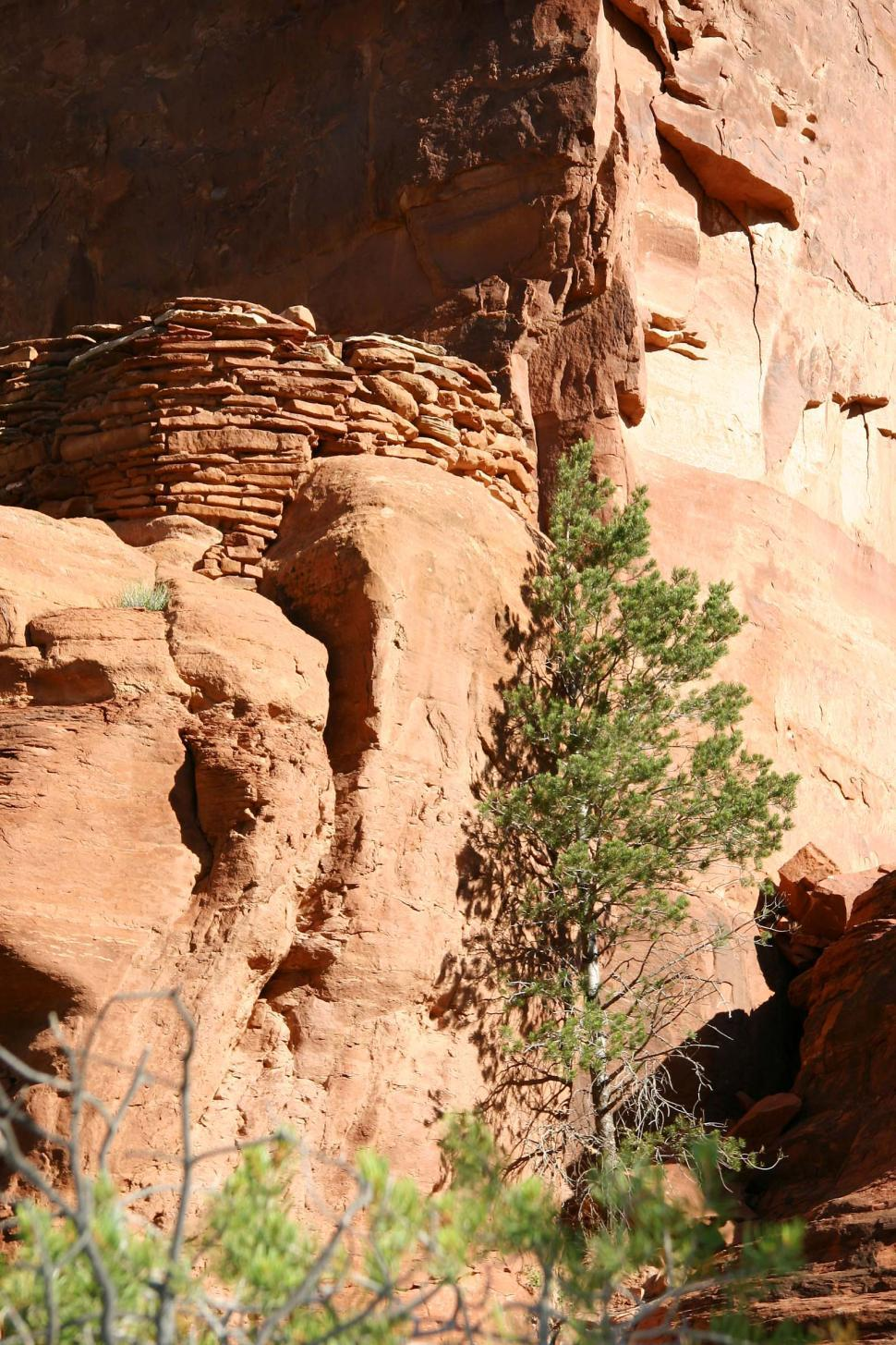 Download Free Stock HD Photo of Ruins in Canyon de Chelly Online