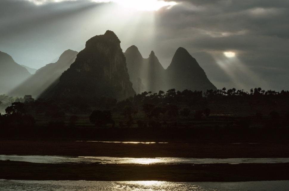 Download Free Stock HD Photo of Li River Online