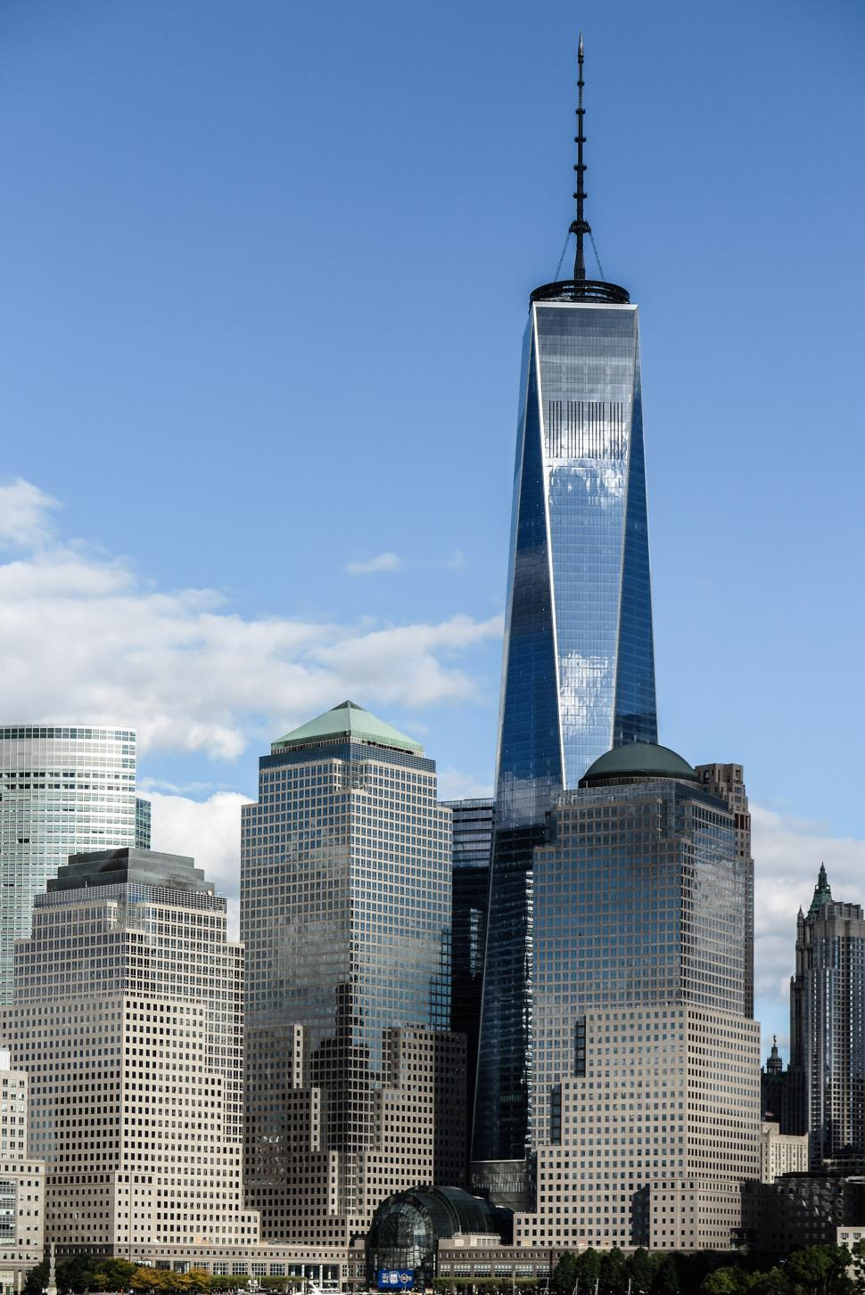 Download Free Stock HD Photo of Blue sky and One WTC Tower Online