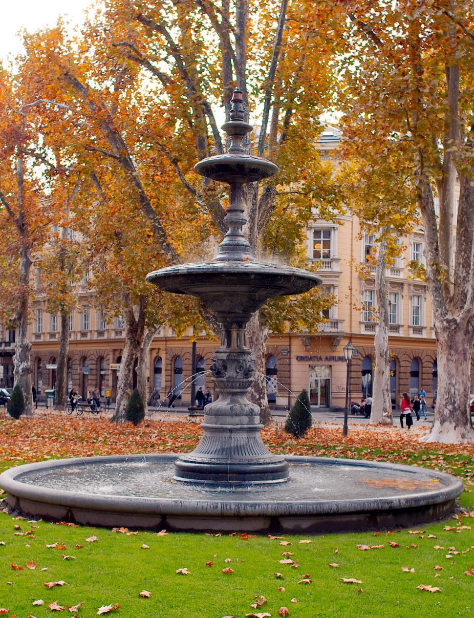 Download Free Stock HD Photo of Old fountain Online