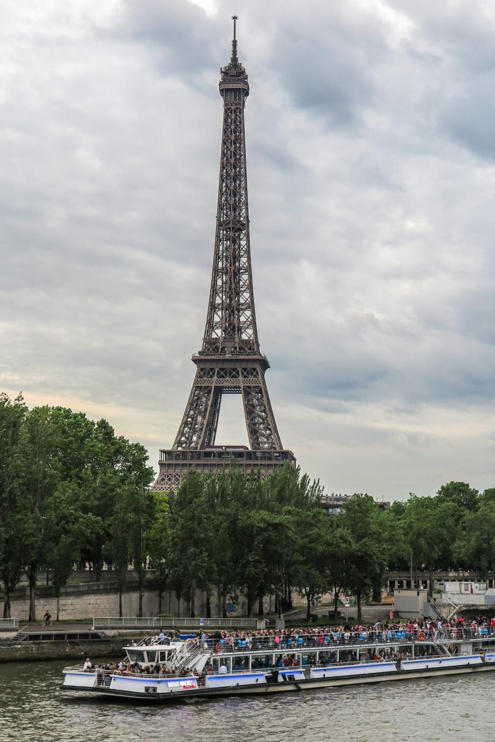 Download Free Stock HD Photo of Tourist boat and Eiffel Tower Online