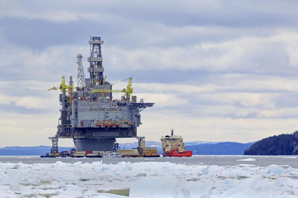 Download Free Stock HD Photo of Ice, supply ship and oil platform Online