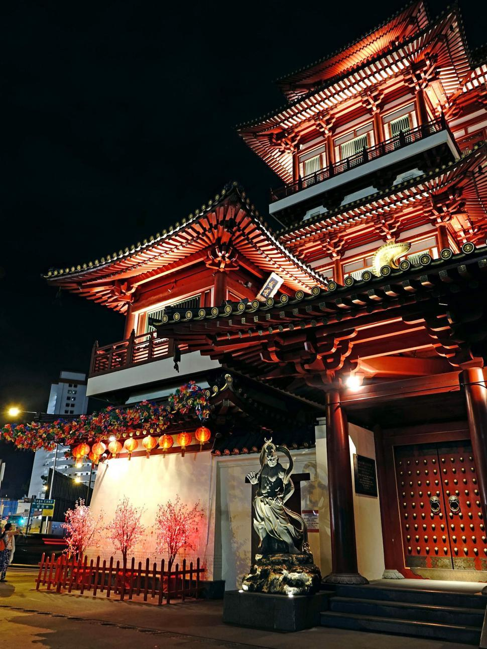 Download Free Stock HD Photo of Buddha Tooth Relic Temple Online