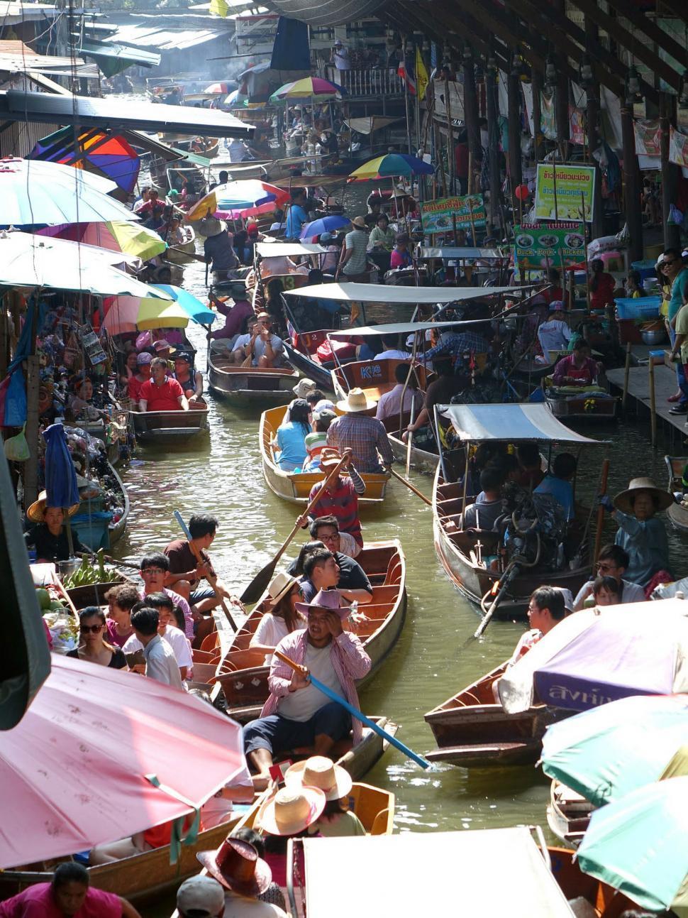 Download Free Stock HD Photo of Bankok, Thailand - Damnoen Saduak Floating Market Online