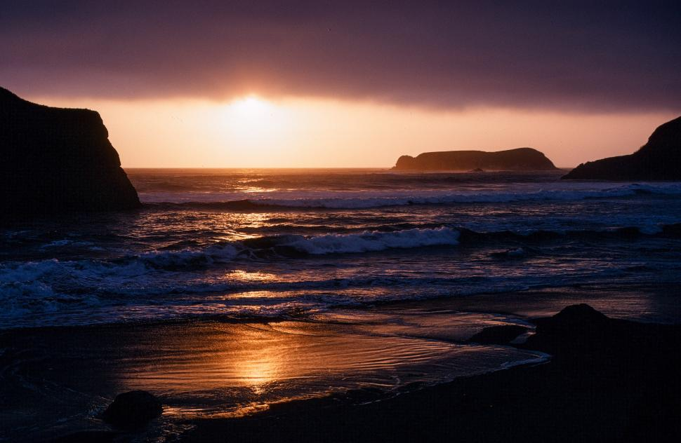 Free image of Sunset and Bandon Beach in Oregon, USA