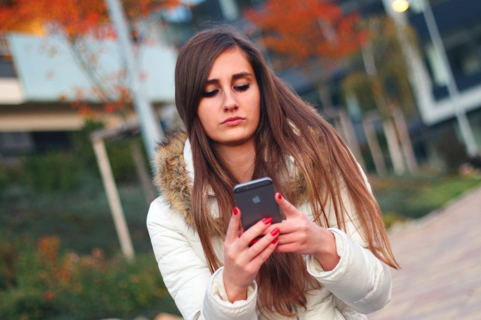 Download Free Stock HD Photo of Girl Texting Online