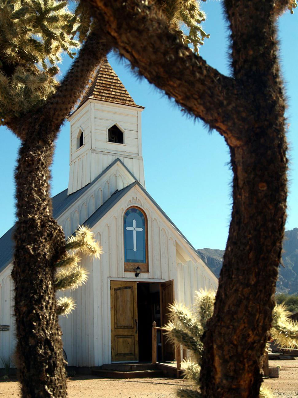 Download Free Stock HD Photo of Elvis Chapel Online