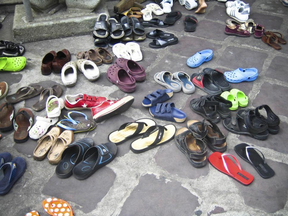 Download Free Stock HD Photo of Many shoes Online