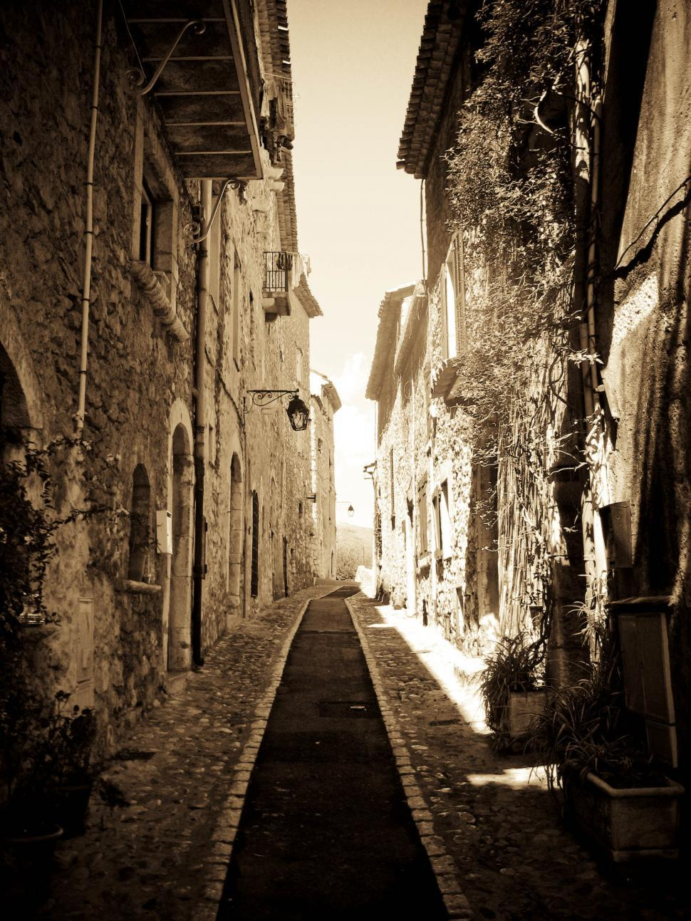 Download Free Stock Photo of narrow street