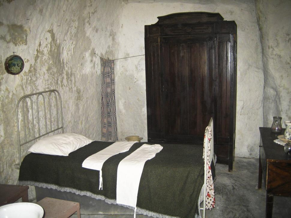 Download Free Stock Photo of old poor room
