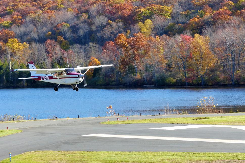 Download Free Stock HD Photo of Cessna Landing Online