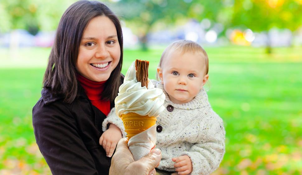 Download Free Stock Photo of Family eating ice cream