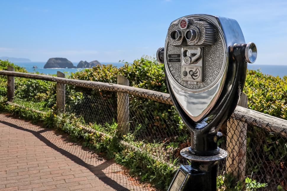 Download Free Stock Photo of Coin Operated Viewer for Tourists