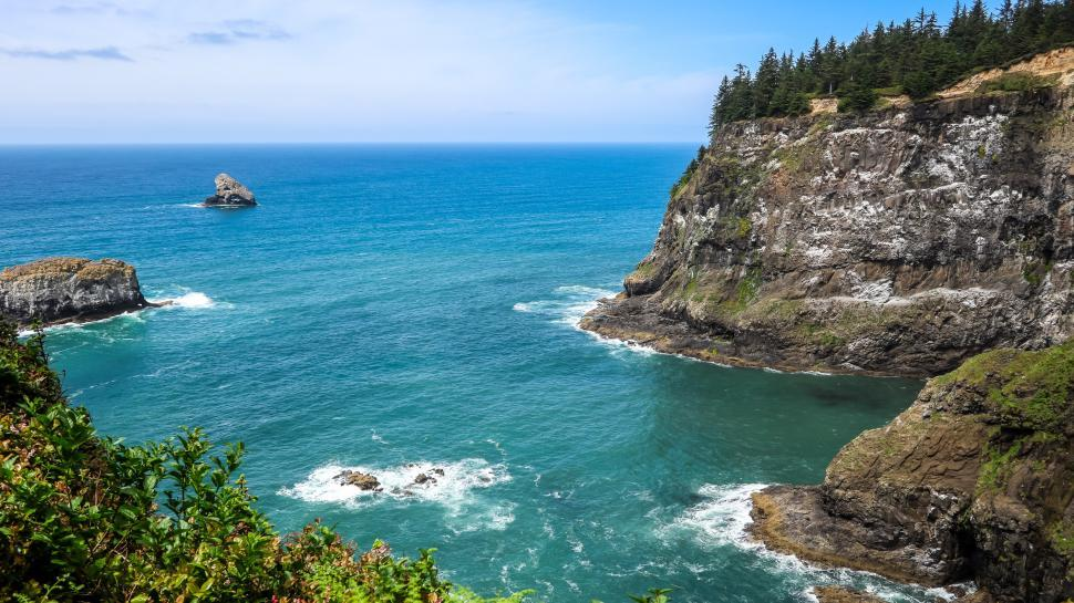Download Free Stock HD Photo of Cliffs and Rocky Shoreline, Oregon Online