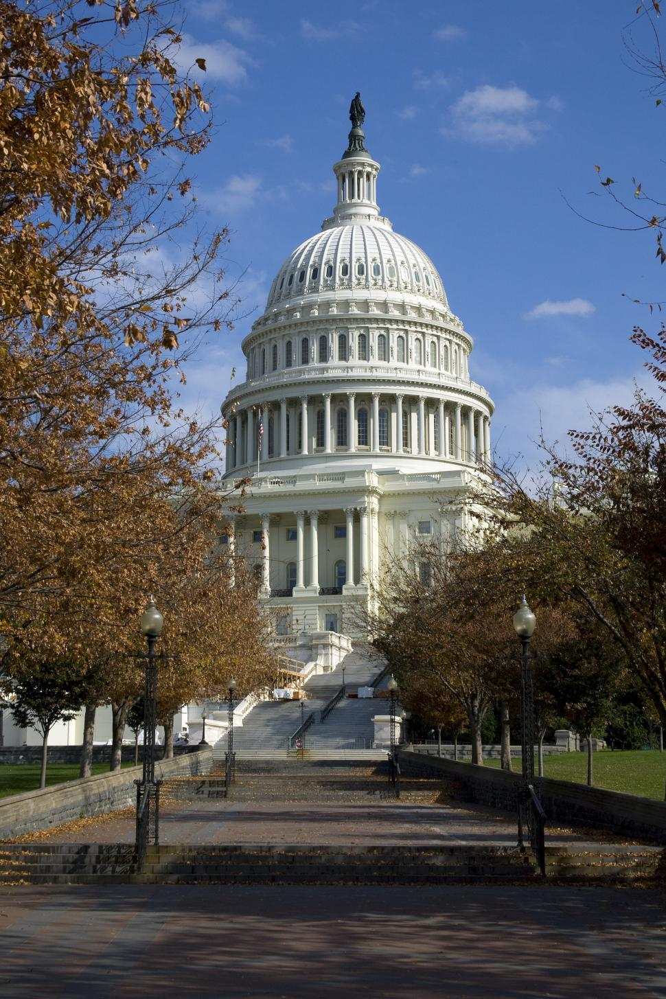Download Free Stock Photo of US Capitol Building