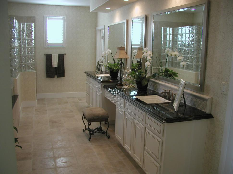 Download Free Stock Photo of Custom Bathrooms