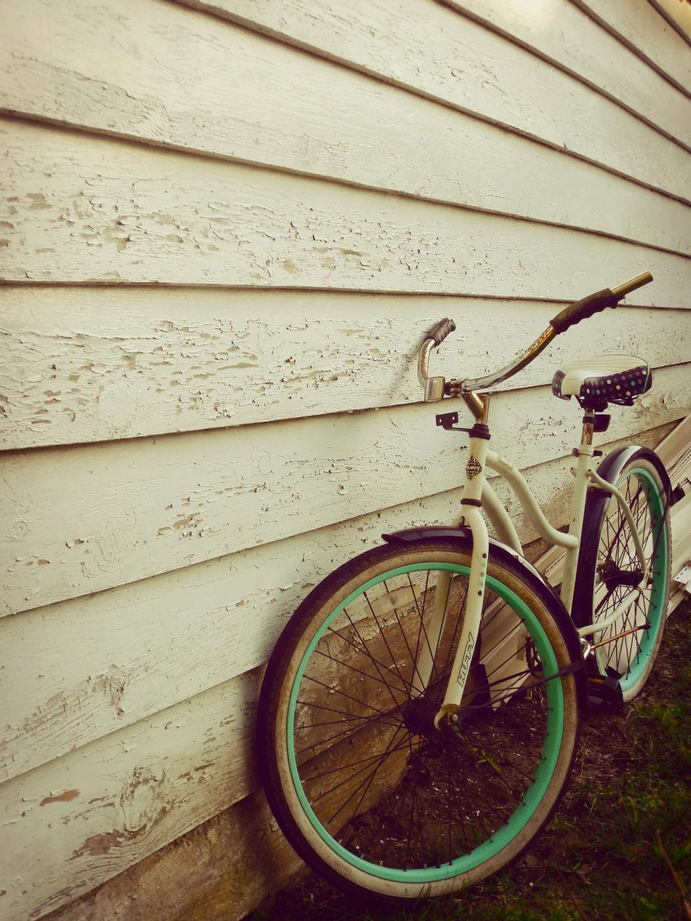Download Free Stock Photo of White Bicycle