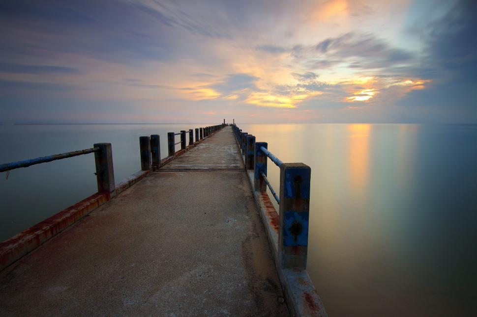 Download Free Stock Photo of Empty pier and Sea