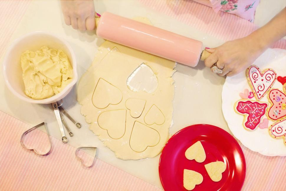 Download Free Stock Photo of Woman Hands and Heart shaped cookies