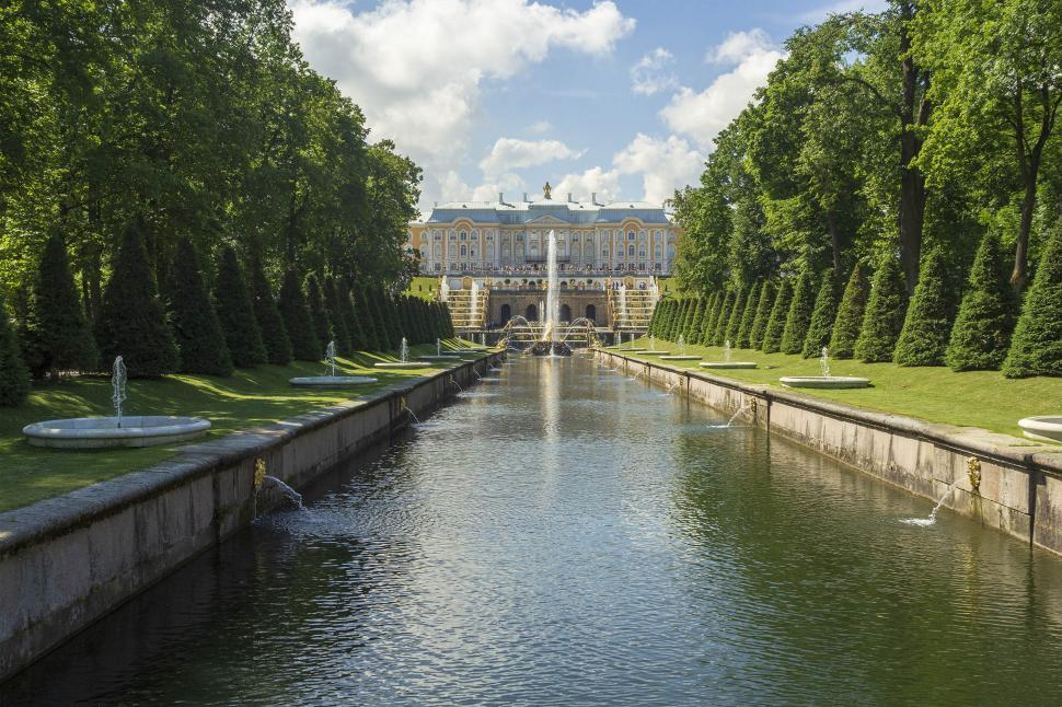 Download Free Stock Photo of Peterhof Palace