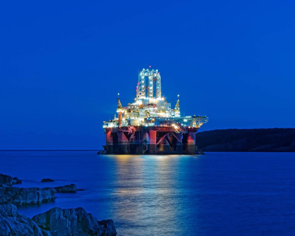Download Free Stock Photo of Drill rig at night
